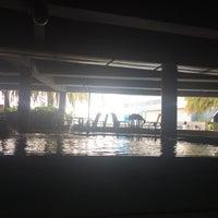 Foto tirada no(a) Liquid Pool Lounge por Nicole Marie em 3/17/2016