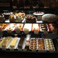 Photo taken at la Madeleine French Bakery & Café Houston Galleria by Lorenzo F. on 6/28/2013