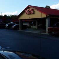 Photo taken at Golden Corral by Ricky L. on 11/2/2013