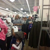 Photo taken at Old Navy by Ricky L. on 11/29/2013