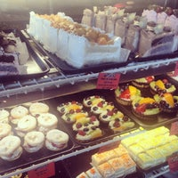 4/18/2014 tarihinde Jessica L.ziyaretçi tarafından Argentina Bakery'de çekilen fotoğraf