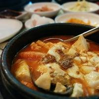 Das Foto wurde bei Chodang Soon Tofu von Alex R. am 10/25/2014 aufgenommen