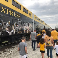 Photo taken at Hawkeye Express by Bob R. on 9/2/2017