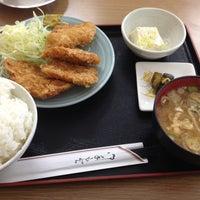 Photo taken at しゃもじや by Hajime O. on 3/31/2014