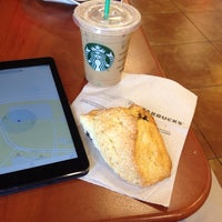 Photo taken at Starbucks by Hajime O. on 5/20/2014