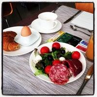 """Foto scattata a Hotel Grand' Italia """"Residenza d'Epoca"""" Padova da Ken U. il 8/27/2015"""