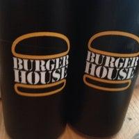 Das Foto wurde bei Burger House von Florian am 7/11/2013 aufgenommen