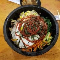 Foto tomada en Sura Korean Restaurant por Dave D. el 5/13/2018