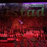 1/11/2013 tarihinde Gülin K.ziyaretçi tarafından Galata Ustad Cafe&Bar'de çekilen fotoğraf