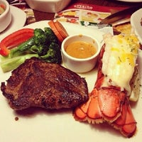 Photo taken at Outback Steakhouse by Djbill E. on 12/11/2013