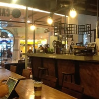 Photo taken at CALAIS Artisan Bubble Tea & Coffee by Adhe R. on 7/5/2013