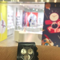 Photo taken at swatch アクアシティお台場店 by Kame T. on 5/28/2016