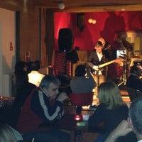 Foto tirada no(a) Oeiras Lounge por Gonçalo P. em 3/2/2013