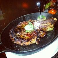 Das Foto wurde bei BLT Steak von Kash G. am 4/10/2013 aufgenommen