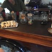 Foto tirada no(a) Café Triciclo por Katrina T. em 5/4/2017