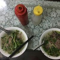 Das Foto wurde bei Phở Thìn Bờ Hồ von odu am 10/28/2017 aufgenommen