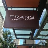 Foto tirada no(a) Fran's Chocolates por YK N. em 6/28/2013