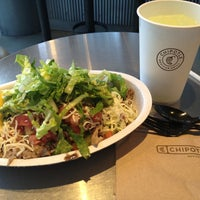 Photo taken at Chipotle Mexican Grill by YK N. on 6/25/2013