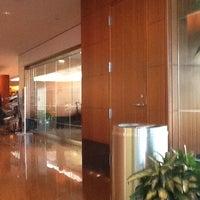Photo taken at United Club by Mitsushimizu on 11/30/2012