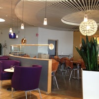 Foto diambil di Menzies Business Lounge oleh Артур Г. pada 5/11/2013