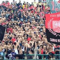 Photo taken at Stadion Manahan by PasoepatiNet on 10/22/2012