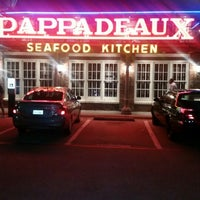 Photo taken at Pappadeaux Seafood Kitchen by Sharon E. on 3/23/2015