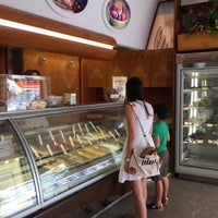 Photo taken at La Bottega del Gelato - Cardelli by wasu t. on 7/29/2016