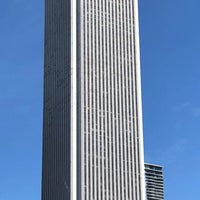 Photo taken at Aon Center by Fluying ✅. on 3/30/2018