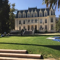 Foto tirada no(a) Palacio Las Majadas de Pirque por Pola R. em 8/5/2015