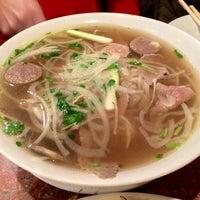 Photo taken at Hoa Bien Vietnamese Restaurant by Ming Hwa L. on 10/4/2014