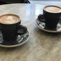 Foto scattata a Variety Coffee Roasters da Ashley M. il 6/25/2018