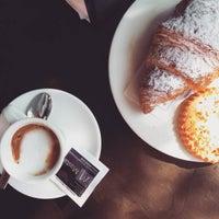 รูปภาพถ่ายที่ Il Caffè Mastai โดย Gaietta B. เมื่อ 7/29/2016