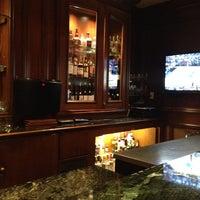Foto scattata a The Bar at the Taj Boston da Mamoon R. il 3/20/2014
