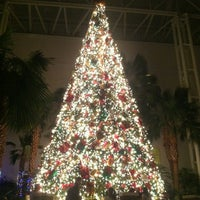 Photo taken at Gaylord Opryland Resort & Convention Center by Joey A. on 12/16/2012