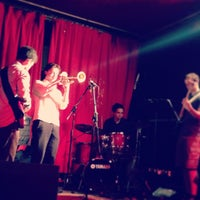 Photo taken at Matt & Phreds Jazz Club by Valentina R. on 7/10/2013