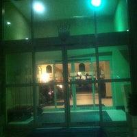 Foto tomada en Holiday Inn Express and Suites por DeCara S. el 10/15/2012