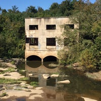 Photo taken at Rocks On The James by Francis T. on 10/15/2016