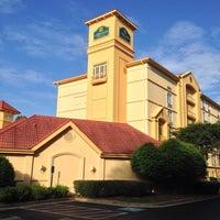 Foto diambil di La Quinta Inn & Suites Atlanta Conyers oleh Mike P. pada 5/12/2014