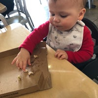 Photo taken at Pieology Pizzeria by Lucia ☔️ on 2/14/2018
