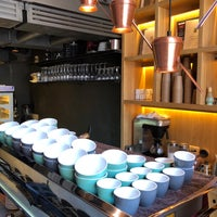 Снимок сделан в Takava Coffee-Buffet пользователем Andrew I. 4/20/2018