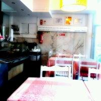 Foto tirada no(a) Restaurante Rota do Oriente por Tanja em 10/19/2012
