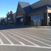 Photo taken at Walmart Supercenter by Huna T. on 4/17/2013