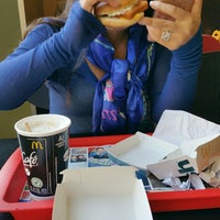 Photo taken at McDonald's by D'watz P. on 10/18/2017