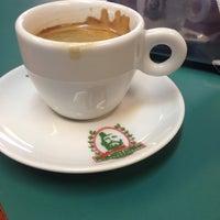 Foto tirada no(a) Cafeeira Garibaldi por Zé M. em 8/12/2014