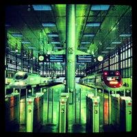Foto tomada en Estación de Cádiz por Ivan C. el 11/23/2012