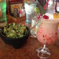 Foto tomada en La Parrilla Mexican Restaurant por Angel Wings Music el 7/17/2013