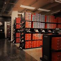 nike factory store brunnthal m nchen bayern. Black Bedroom Furniture Sets. Home Design Ideas