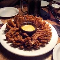 Foto tirada no(a) Outback Steakhouse por Simone C. em 12/2/2012
