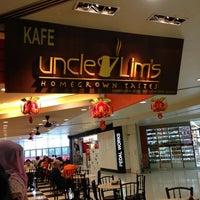 Photo taken at Uncle Lim's Cafe by Nurliyana B. on 2/15/2013