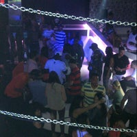 Foto diambil di Off Limits Night Club oleh Mercedes S. pada 3/20/2013